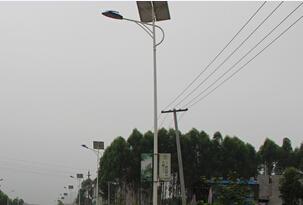 【案例】城镇道路太阳能路灯照明工程