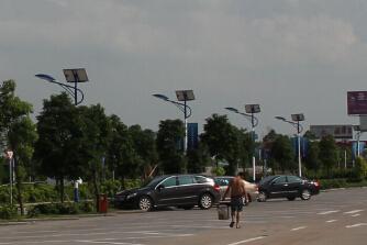 【案例】高速公路太阳能路灯照明工程
