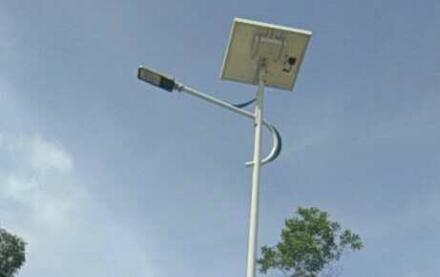 海南万宁市坝头村太阳能路灯工程